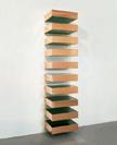 Donald Judd, ohne Titel, 1988, Kupfer,  grünes Plexiglas, je 16 x 69 x 61 (gesamt 311)