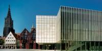 Blick von Süden auf kunsthalle weishaupt und Ulmer Münster